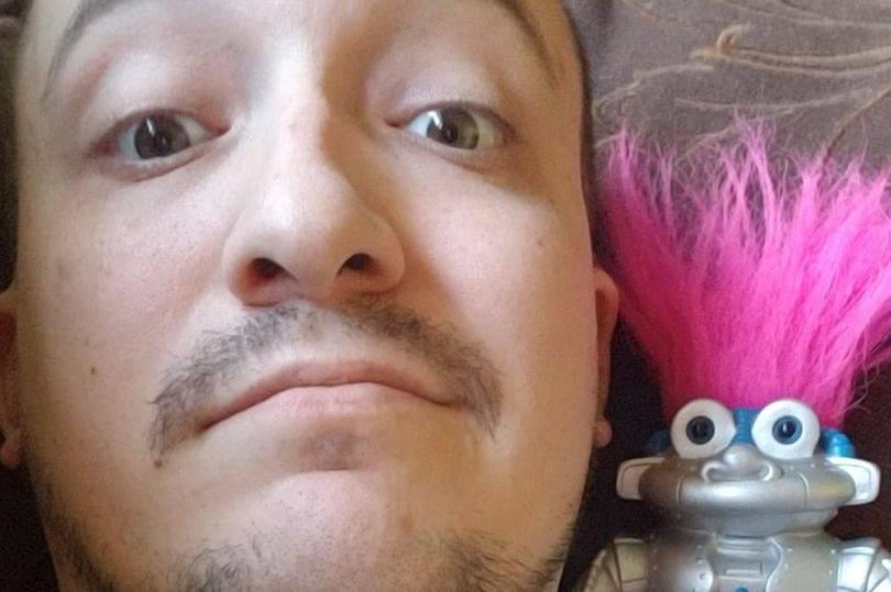 Joey je dvije godine u vezi s robotom i 'planiraju' se oženiti