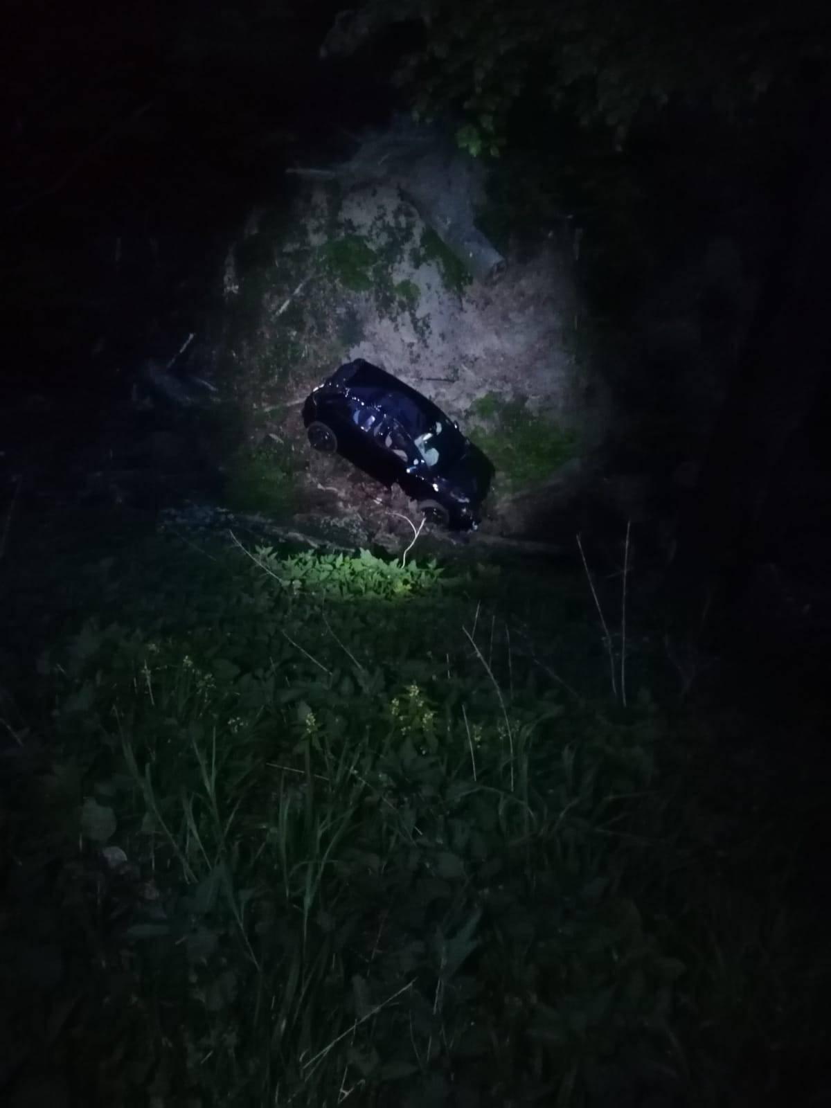 Čudo da su izašli živi iz auta! Sletjeli sa Sljemenske ceste...