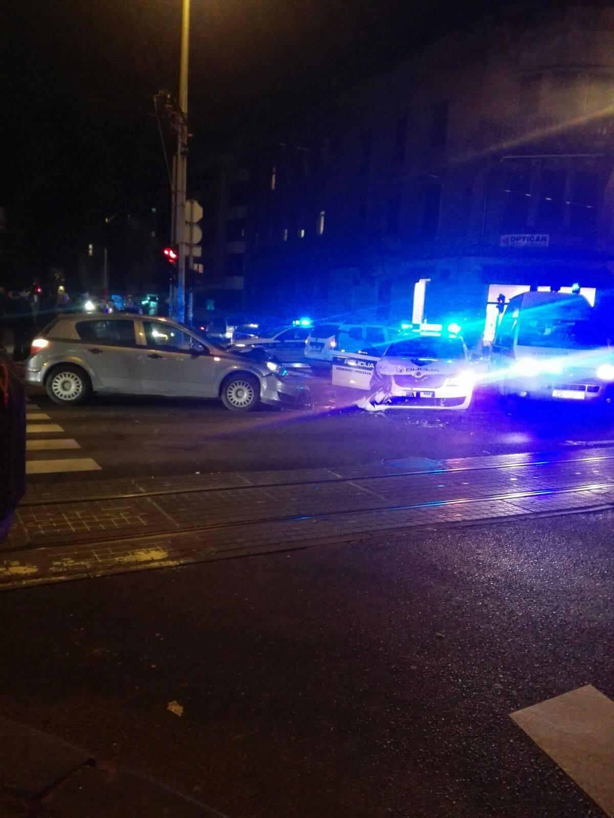 Nesreće u Zagrebu: U jednom sudaru smrskan policijski auto