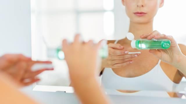 Apsolutni čistač za lice: Tekućina s malim kapsulama 'micelima'
