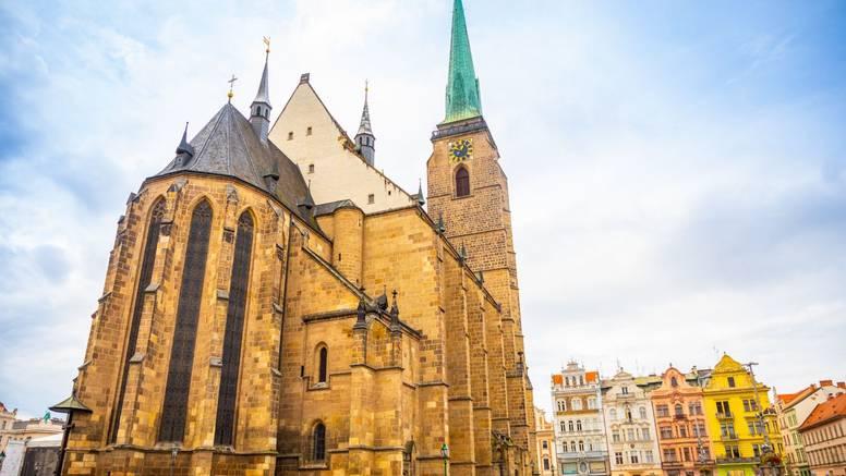 Ulovili ih usred akcije: Seksom na vrhu crkvenog tornja češki par proslavio ponovni susret