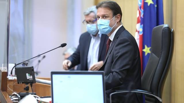 Zagreb: Okupljanje zastupnika u sabornici prije glasovanja o proračunu