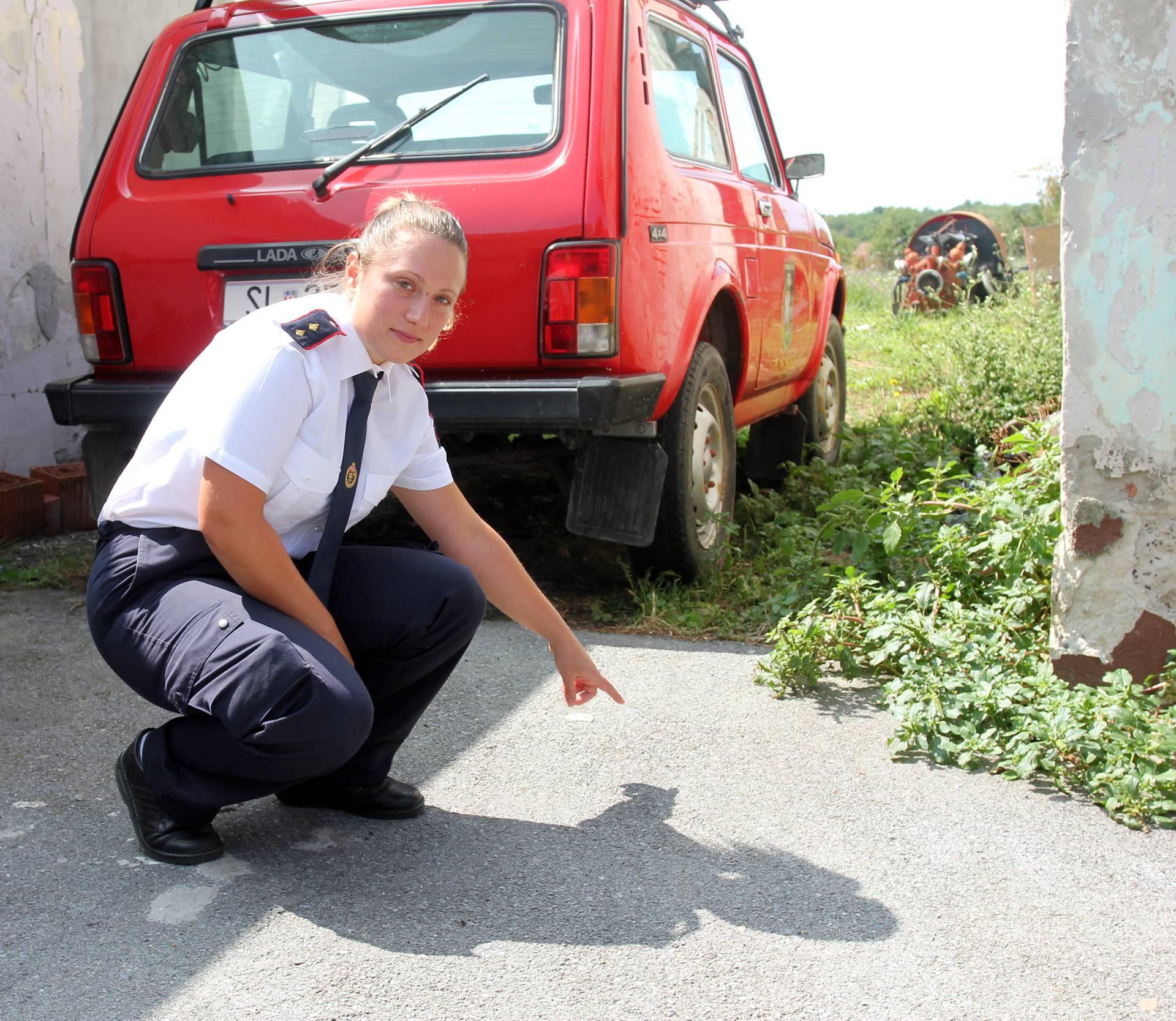Samo da ne eksplodira: Žive s granatom u dvorištu 26 godina