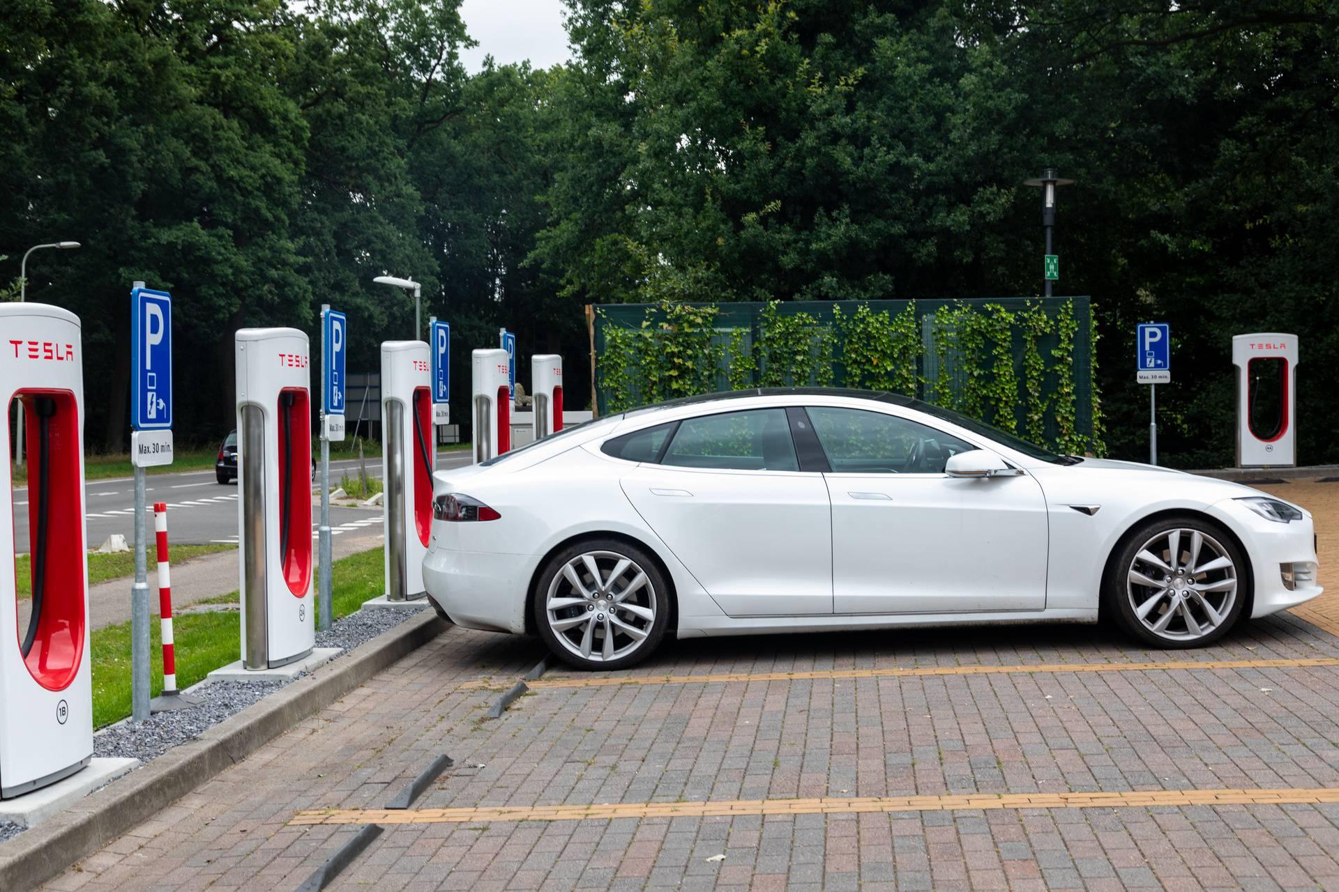 Bateriju automobila možete puniti satima ili samo 15 minuta