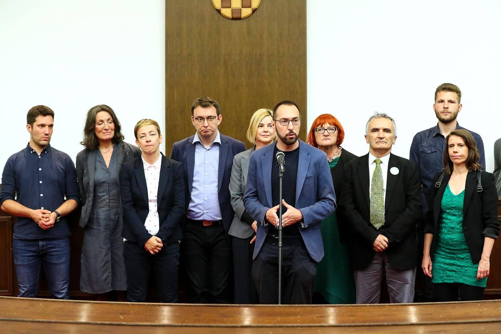 Zagreb: Konferencija za medije Zeleno-lijeve koalicije nakon predajed kandidacijeske liste DIP-u