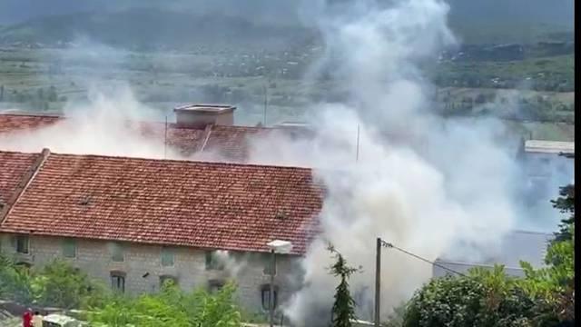 Zapalio se kompleks stare duhanske stanice u Imotskom