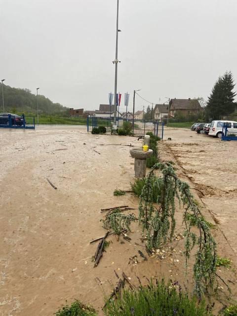 U Vidovcima još saniraju štete nakon oluje, grad za poplave krivi 'neodgovorne sugrađane'