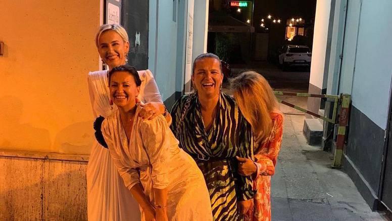 Nina Badrić u noćnom provodu sa sestrama Husar: Kao da ste bile inspiracija za 'Seks i grad'