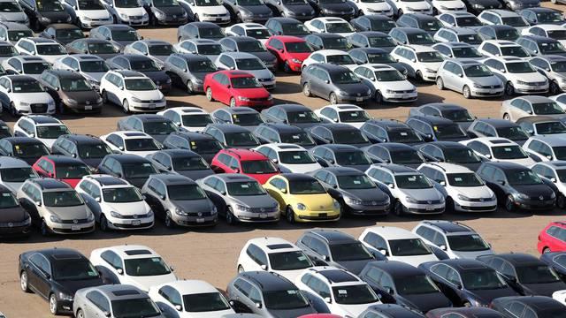 Crne prognoze: Prodaja novih auta u svijetu pada za 20 posto