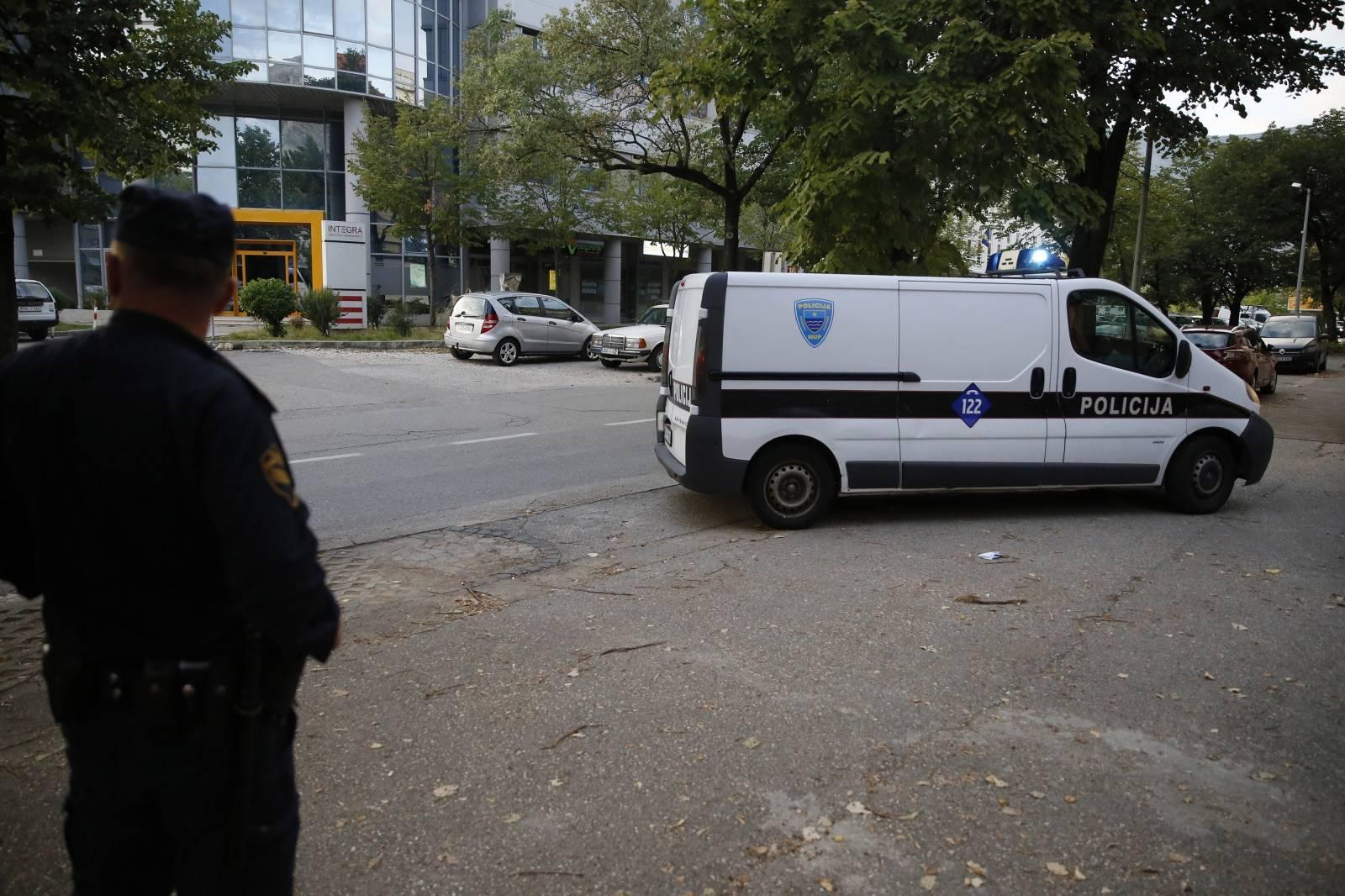 Mostar: Bivšu Miss, osumnjičenu za ubojstvo priveli na ispitivanje