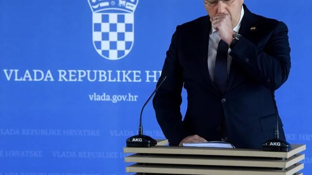 Premijer Plenković ima problema s kašljem zbog klime u automobilu
