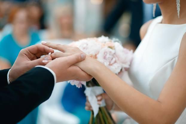Dugo trpimo: Hrvati se najviše rastaju nakon 25 godina braka | 24sata