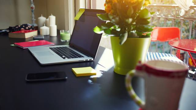 Kako organizirati stol na kojem radite kod kuće - za motivaciju