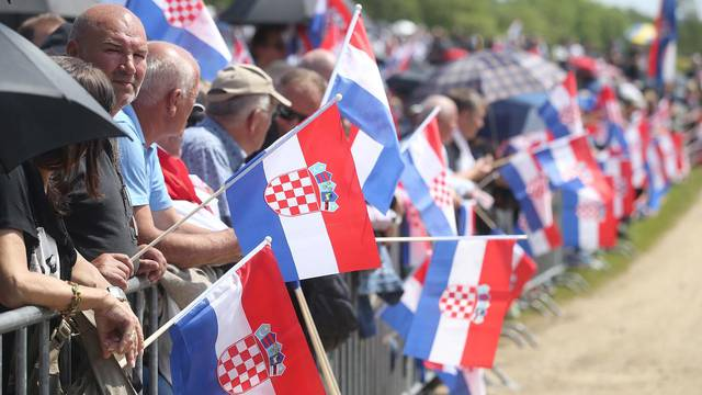 Osuđuju Bleiburg, a ignoriraju hrvatske zločine u ratu i Oluji