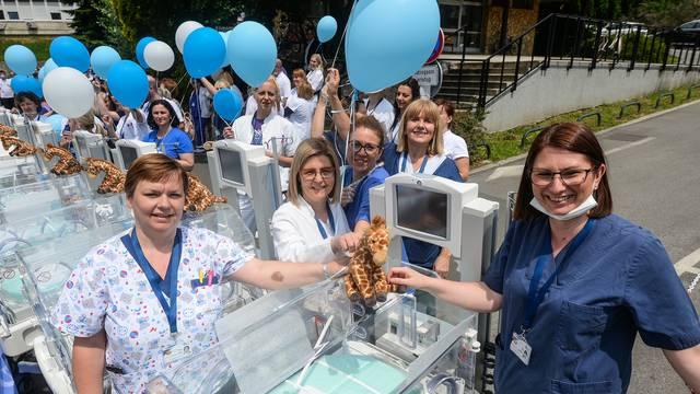 """Primopredaja inkubatora u bolnicu u Petrovoj kupljenih u sklopu akcije """"Vratimo Palčiće u Petrovu"""""""