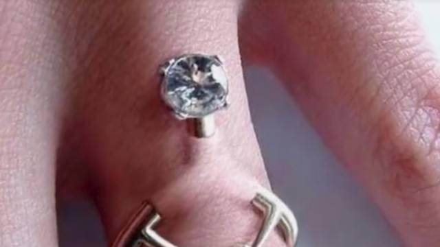 Novi trend za vjenčane parove: Umjesto burme oni buše prste