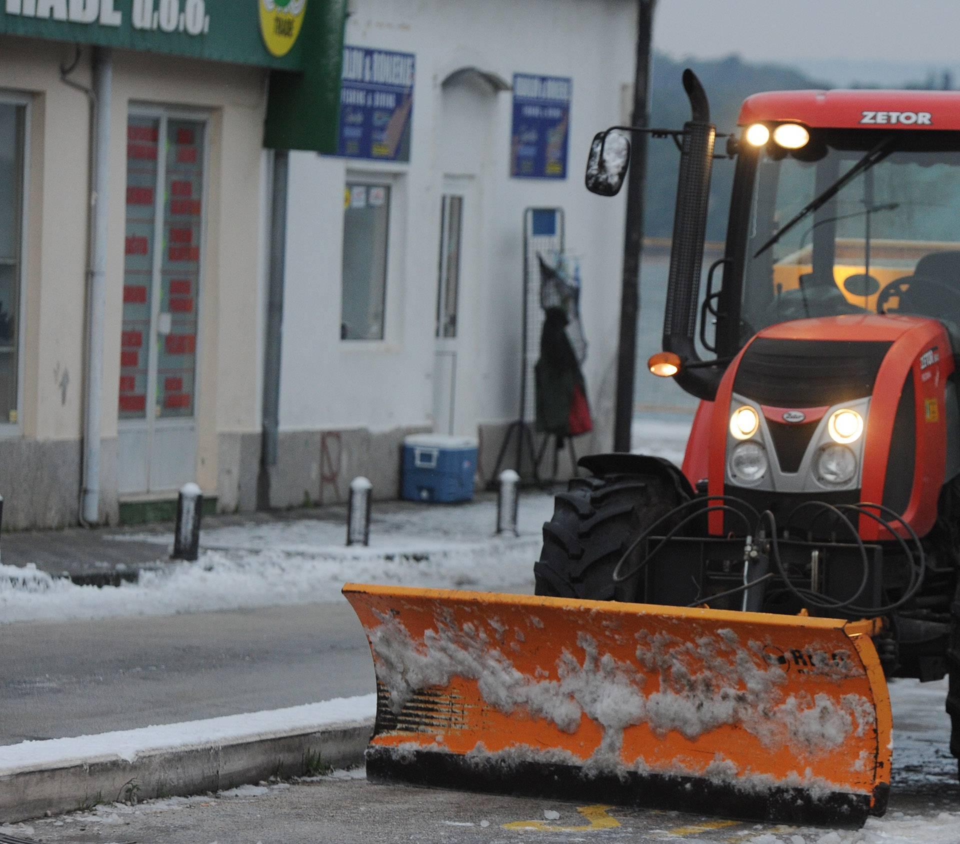 Kaos kod Čakovca: Više od 50 auta 'zaglavilo' zbog poledice