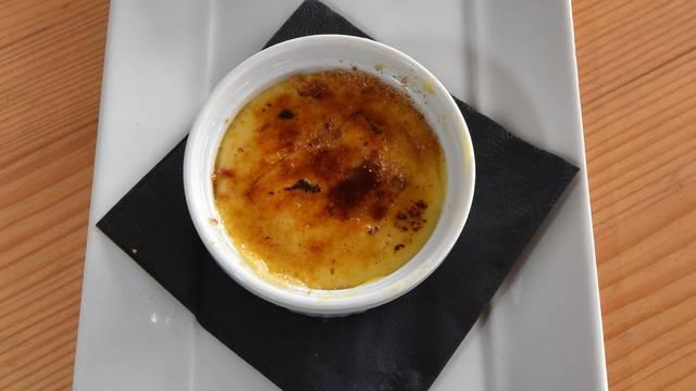 Napravite Crème brûlée kod kuće s tri jednostavna sastojka