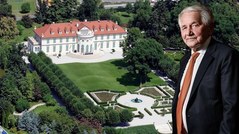 Drk se vozio u Renaultu 'petici' i godinama je ulagao u dvorac: 'Spasili smo ga od propadanja'