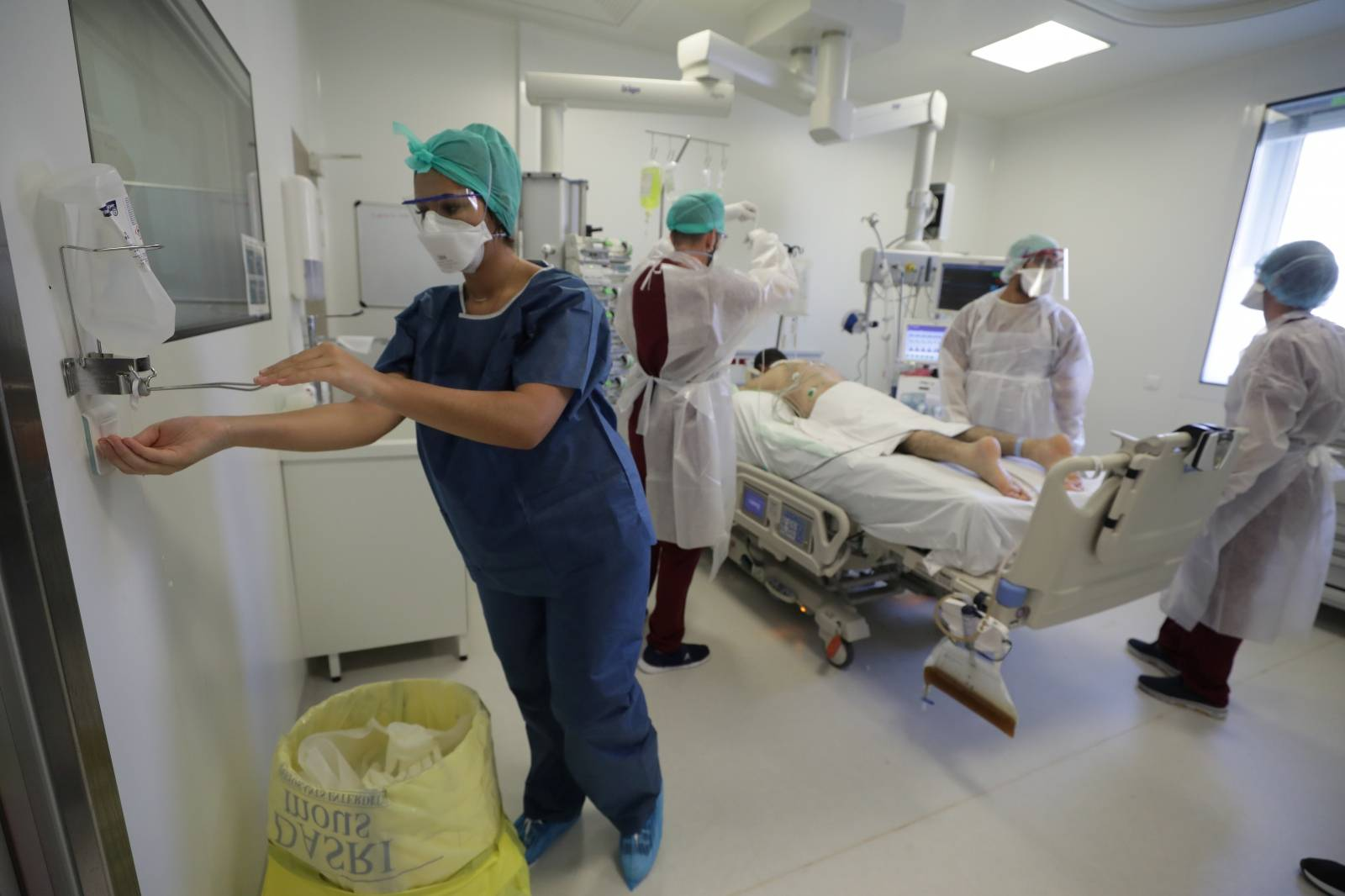 Hospitalisations of COVID-19 patients rise in Marseille
