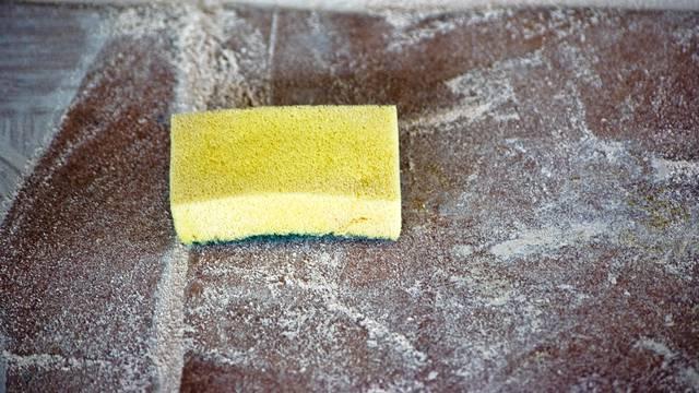 Očistite kuhinjsku spužvu: Ove dvije metode ubit će bakterije