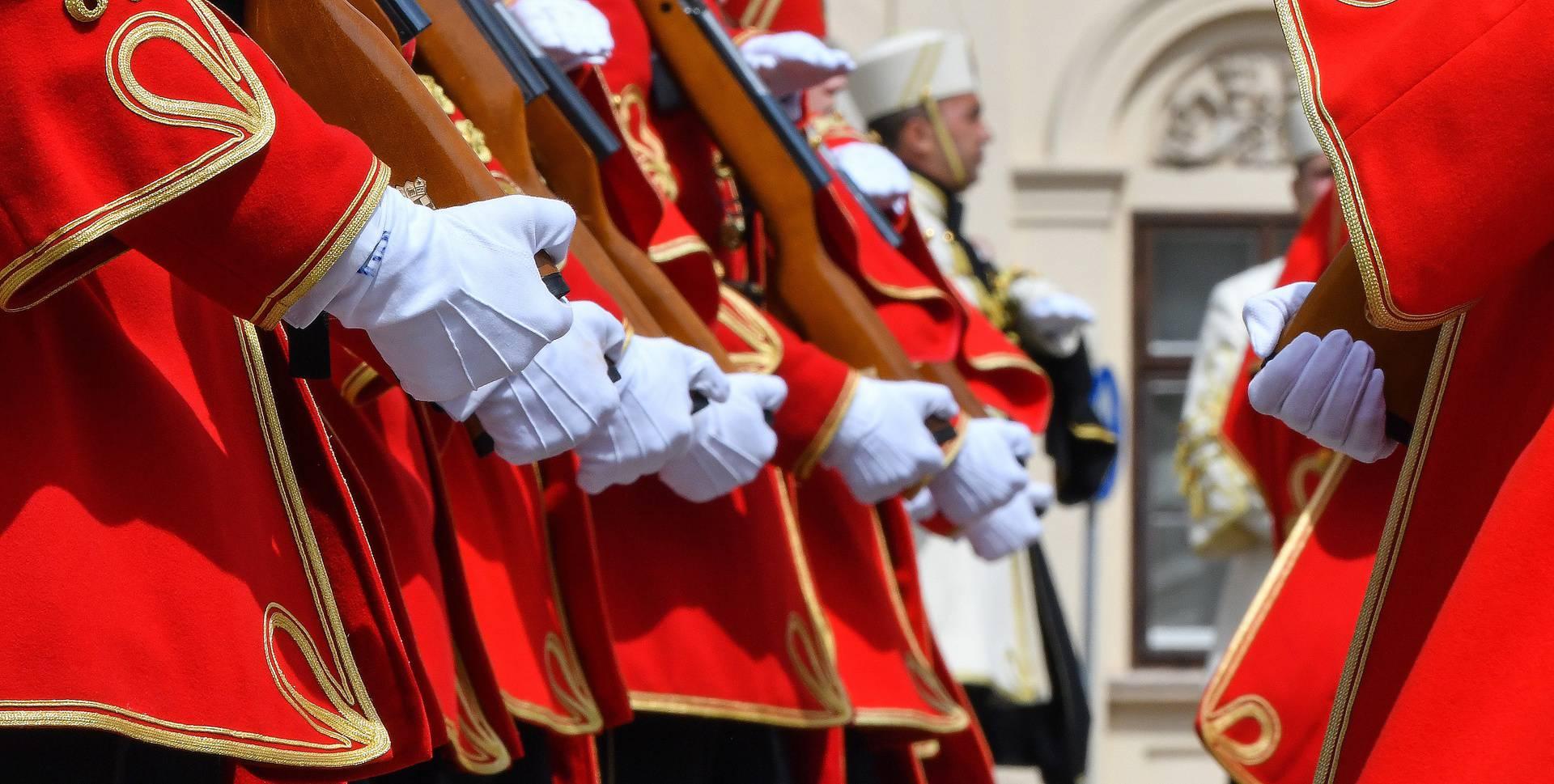 Plenković se naljutio na šefa vojske: Nije mu poslao počasnu gardu u crvenim odorama