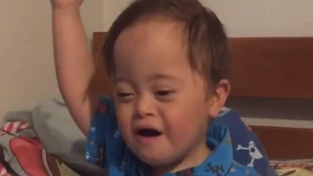 Viralna senzacija: Dječak (2) s Downom pjeva uz Aliciju Keys