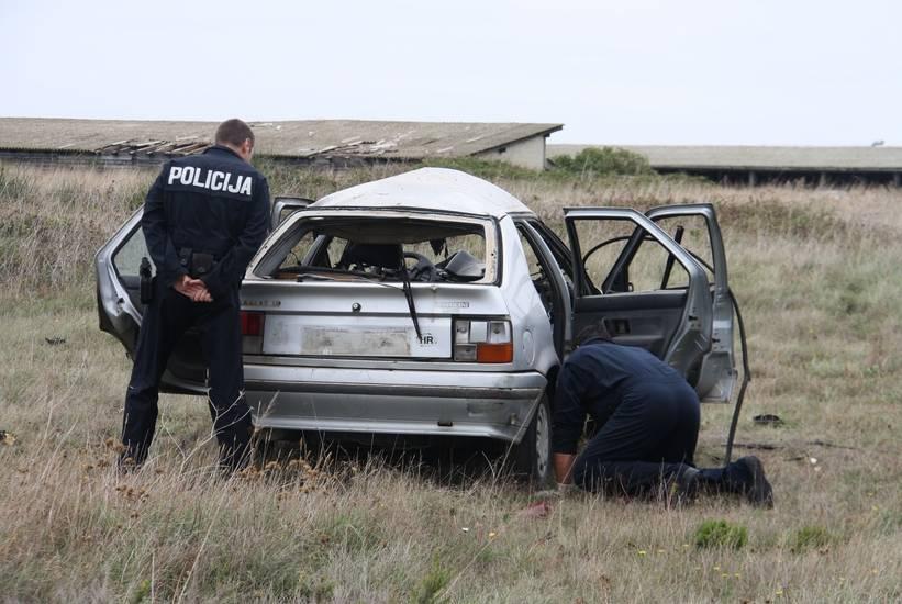 Bacio upaljač na sjedalo auta, bio siguran da ga je zatvorio...