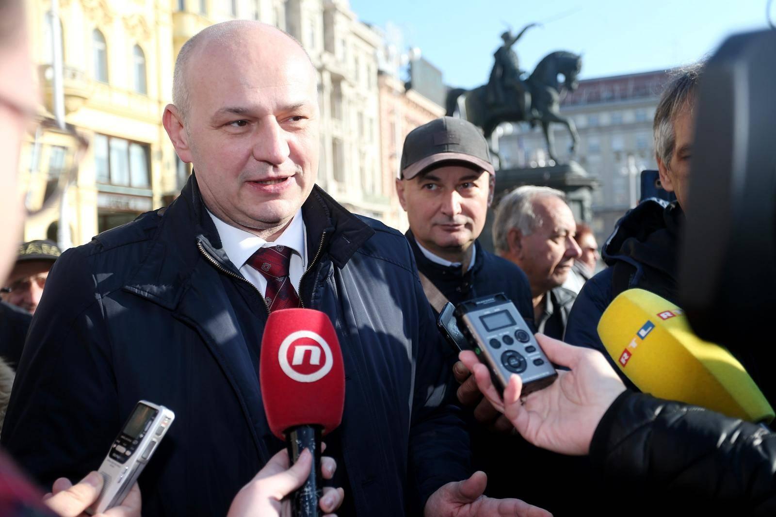 Zagreb: Predsjednički kandidat Mislav Kolakušić dobio podršku Živog zida