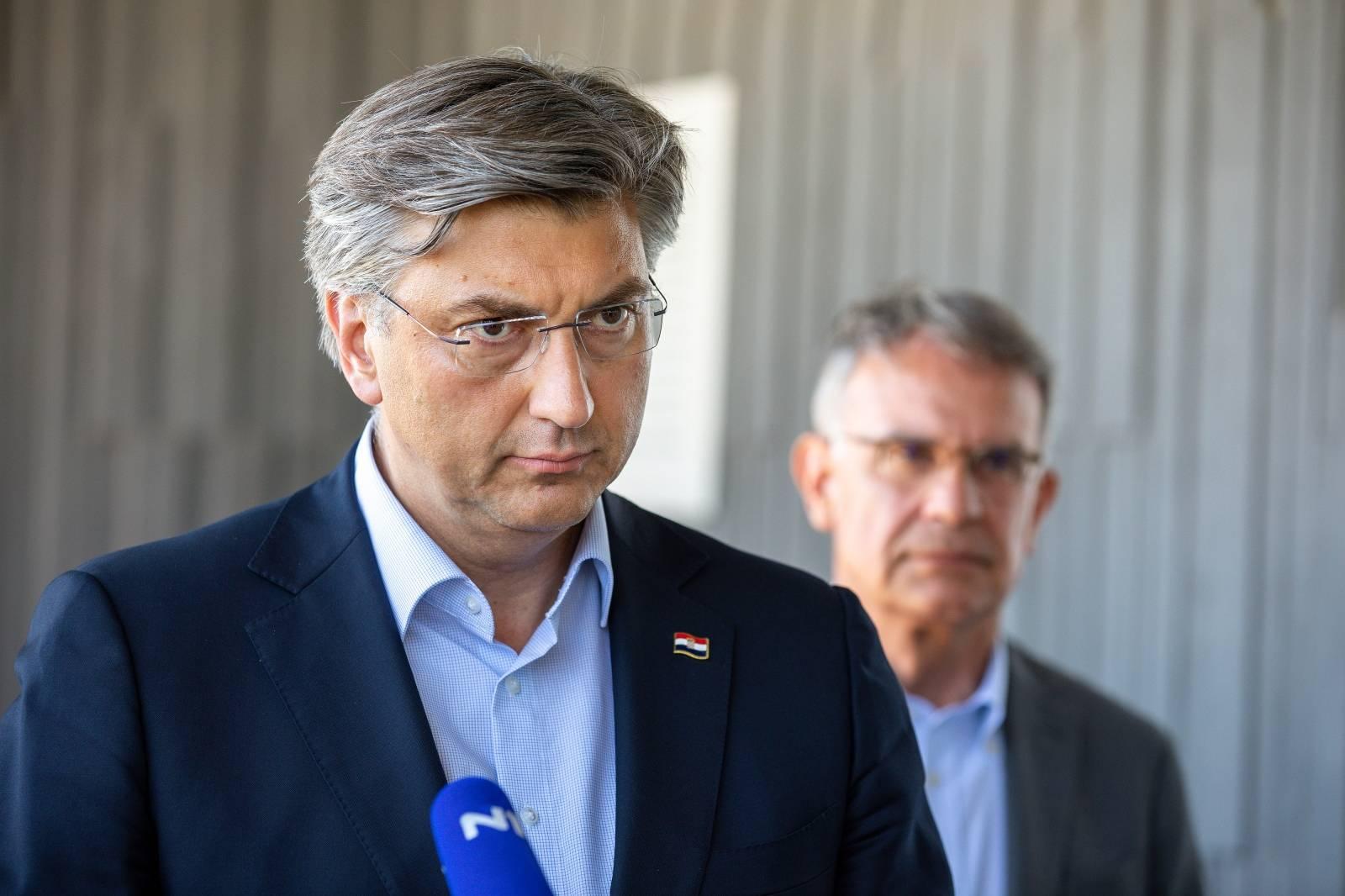 Kanfanar: Premijer Plenković obišao Tvornicu duhana Rovinj