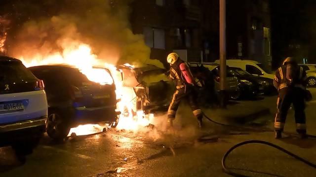 Izgorjelo više vozila na Jarunu