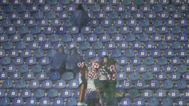 Zagreb: Jaka kiša pada tijekom utakmice Hrvatska - Švedska