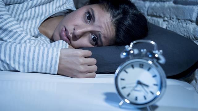 Brinete se i živcirate prije sna? Normalno je da teže usnivate