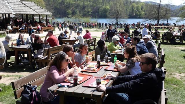 Uskrsni ponedjeljak na Plitvičkim jezerima