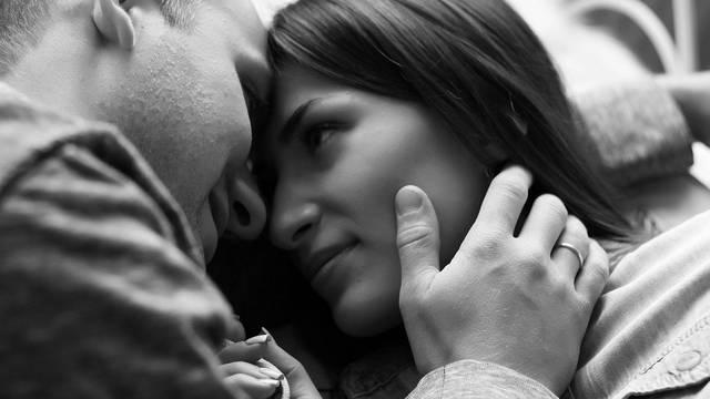 Poslije seksa se osjećate loše? To je sasvim normalno i svakom se može ponekad dogoditi