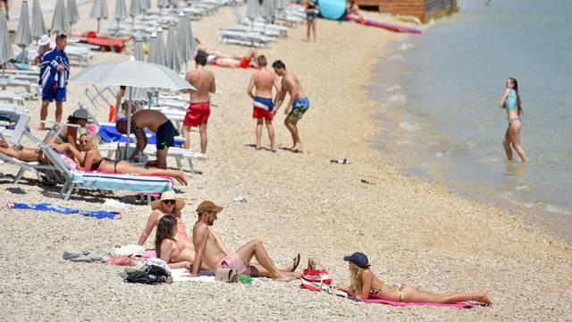 Plaža Zrće gotovo pa prazna u prvom vikendu sedmog mjeseca
