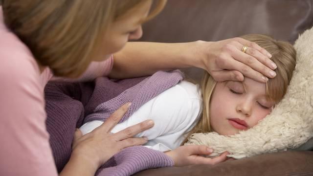 Kod bolesti ukućana: Savjeti da spriječite širenje zaraze u domu