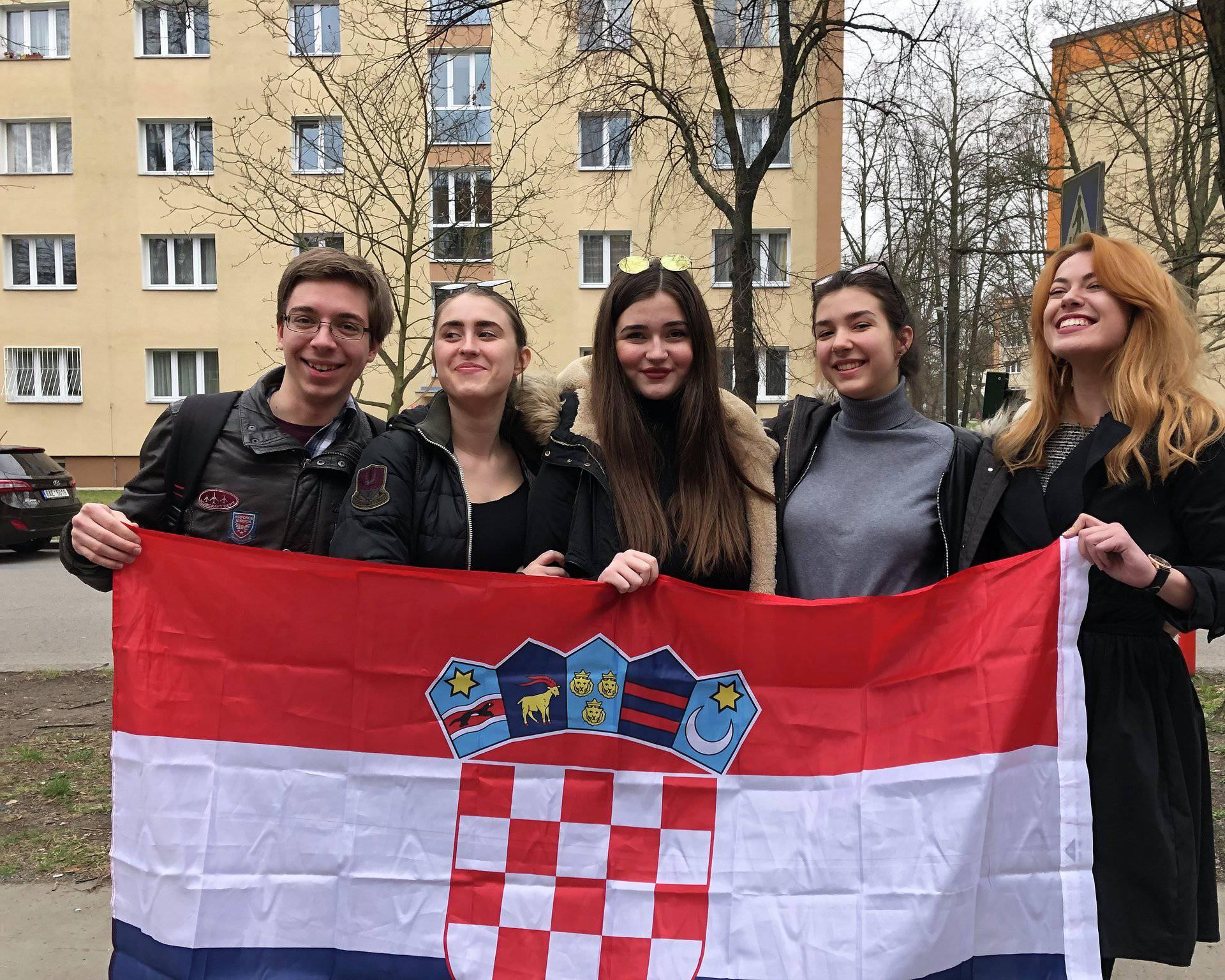 Hrvatski srednjoškolci pokupili sedam medalja u debatama