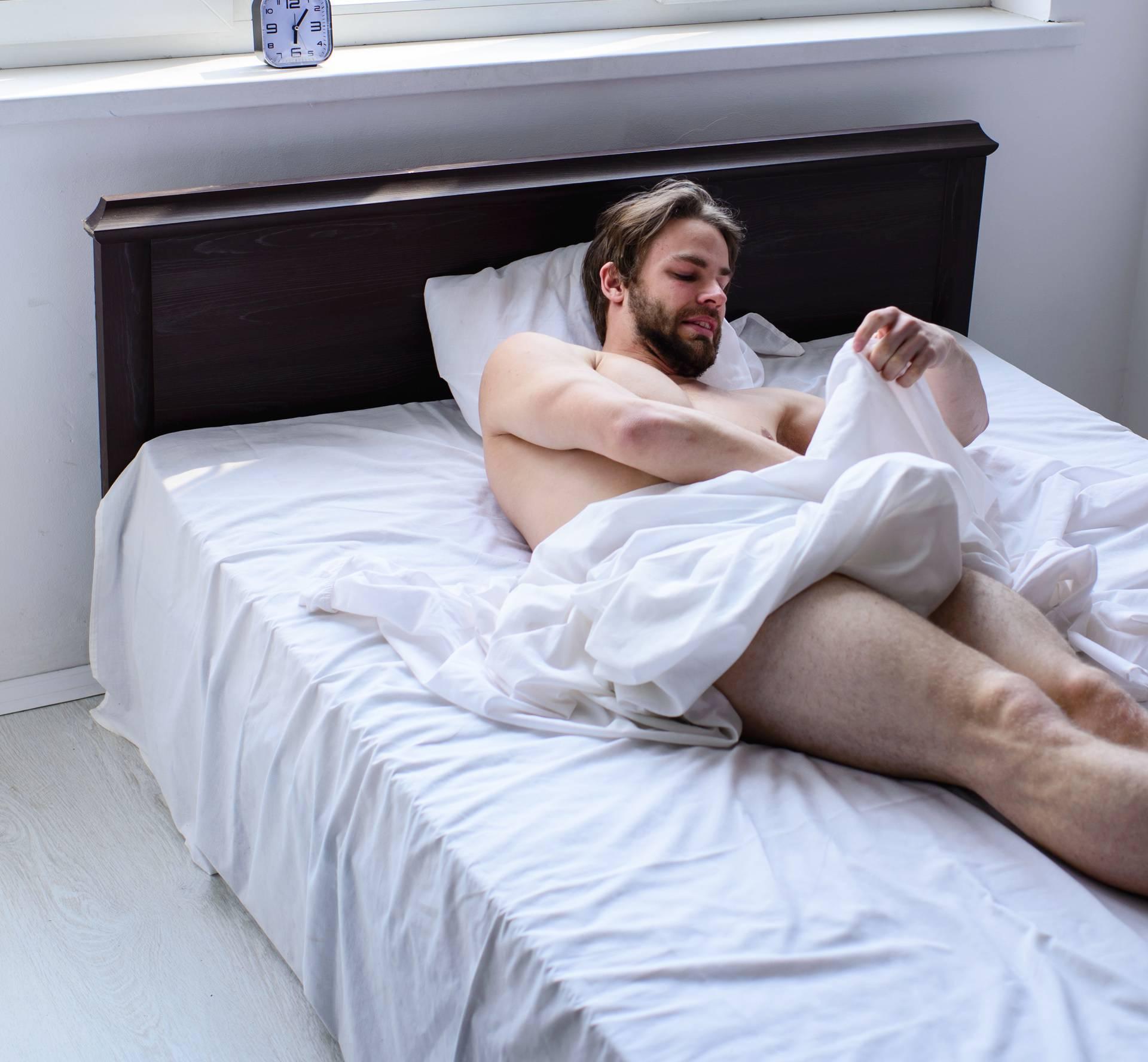 Spontana erekcija: Zašto se to događa samo po noći, danju ne
