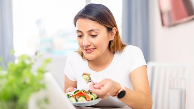 Koje je idealno vrijeme za ručak i doručak dok radite od doma?