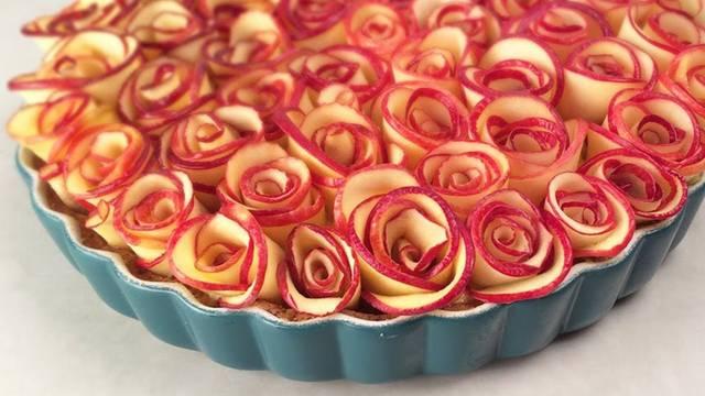 Oduševite goste: Tart od jabuka koje izgledaju kao mnoštvo ruža