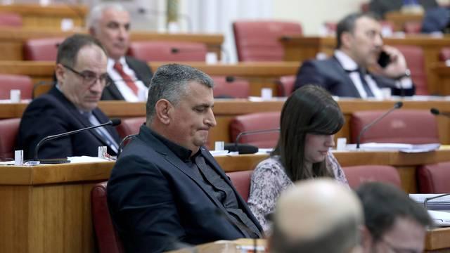 Zagreb: Zastupnici u Saboru raspravljali o privatizaciji INA-e