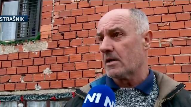 Stjepanu i njegovih 12 djece  stigla je kućica: 'Nakon obnove je prvi snijeg porušio dimnjake'