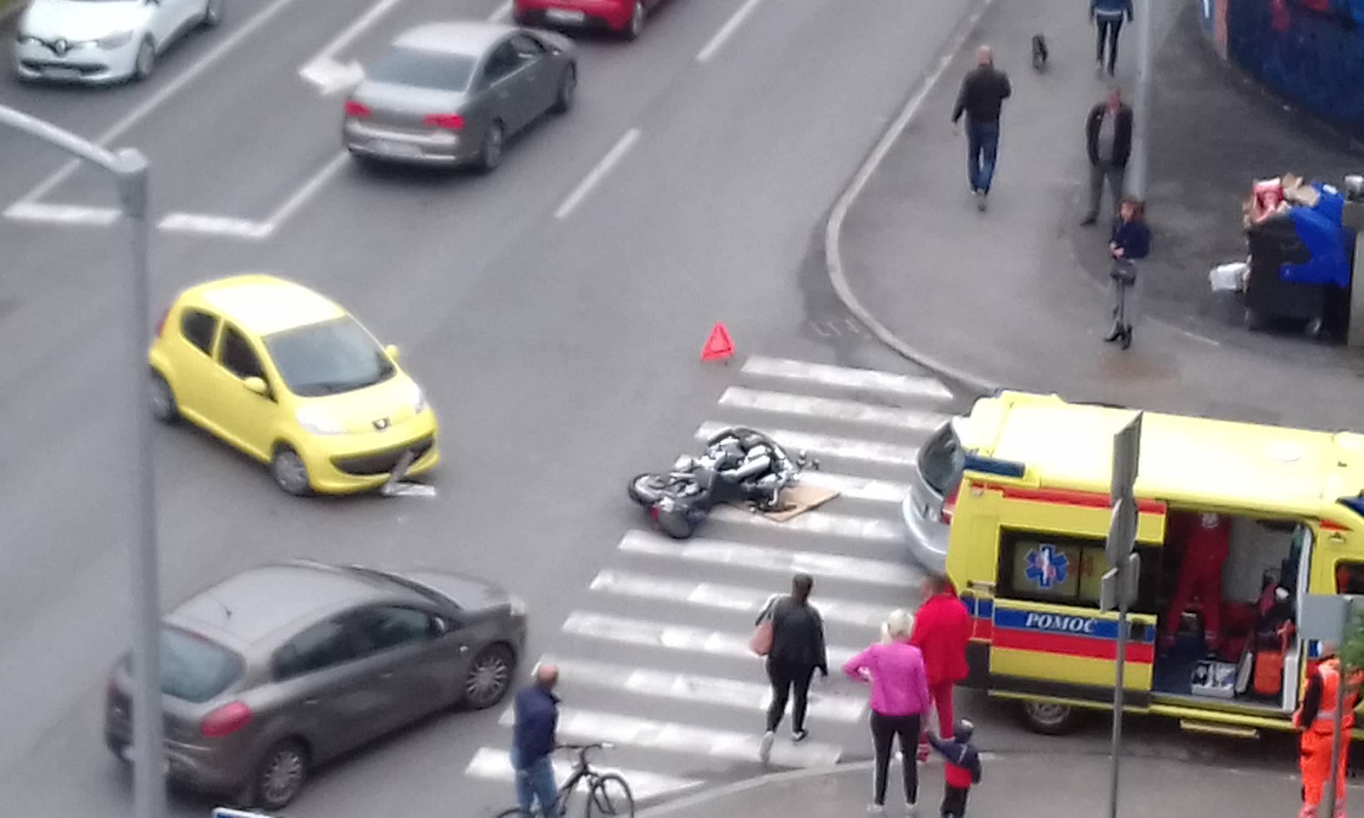 Nesreća u Dubravi: Peugeotom udario u motocikl na raskrižju