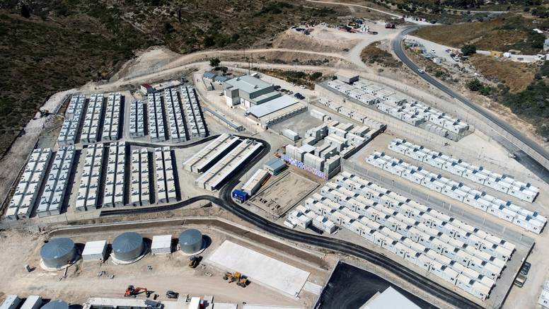 Grčka vlada na otoku Samosu otvorila novi izbjeglički kamp