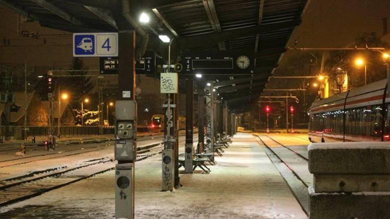 Na kolodvoru našli čovjeka bez stopala: Pao pod vlak?