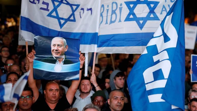Tisuće ljudi u Tel Avivu: Dali su potporu premijeru Netanyahuu