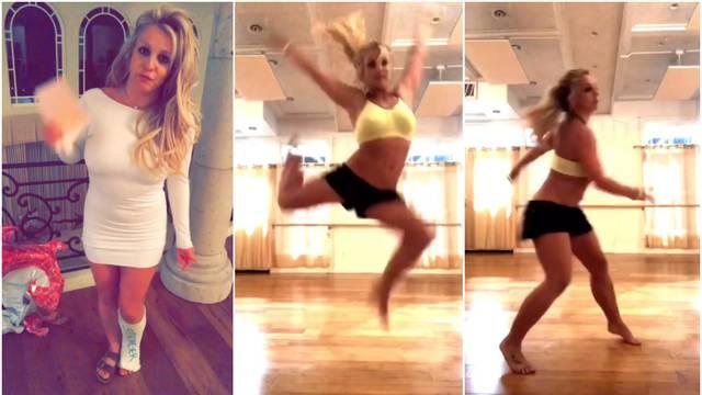 Britney objavila video u kojem se čuje kako joj puca stopalo...