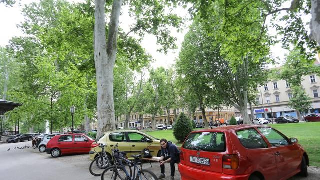Zagreb: Od ponedjeljka 18.5. ponovo na snazi zabrana parkiranja u parkovima i na javnim površinama