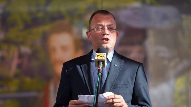 Četiri manjinska zastupnika podržavaju Z. Hasanbegovića